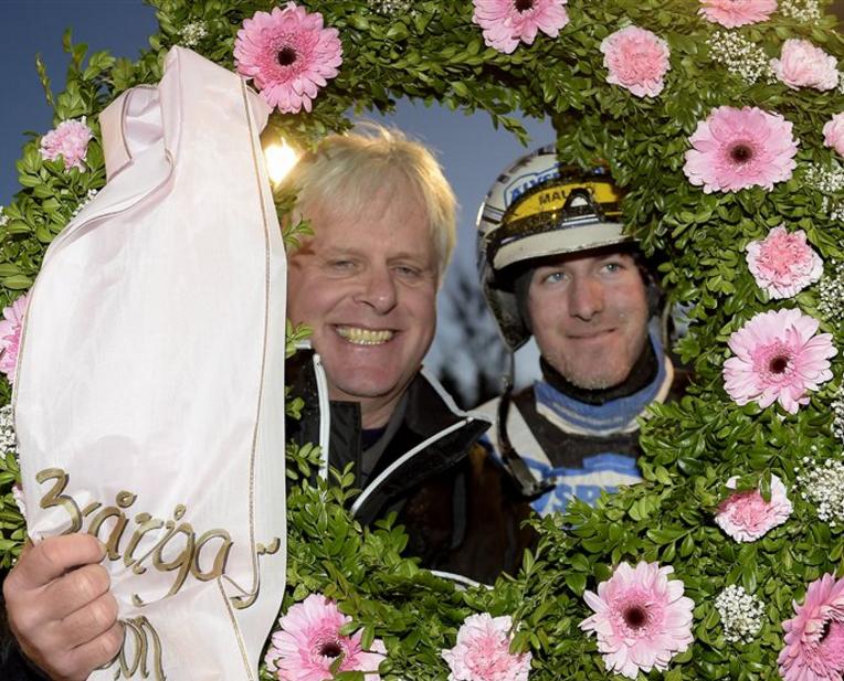 Jerry Riordan och Christoffer Eriksson efter BC-vinst med Treasure Kronos