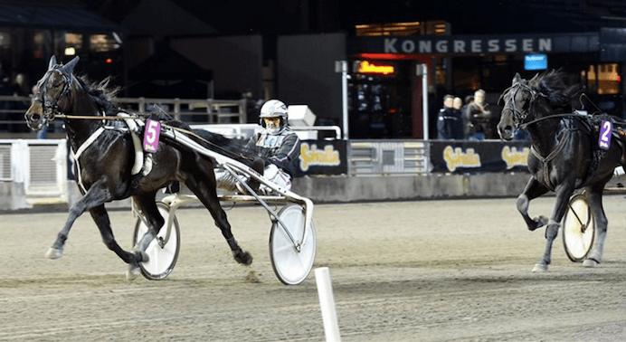 – Makethemark och Ulf Olsson jagar sjunde raka segern på lördag